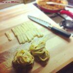 Pasta fresca con manzo, piselli e funghi