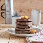 Pancake al cacao e kefir (con pere al Marsala)