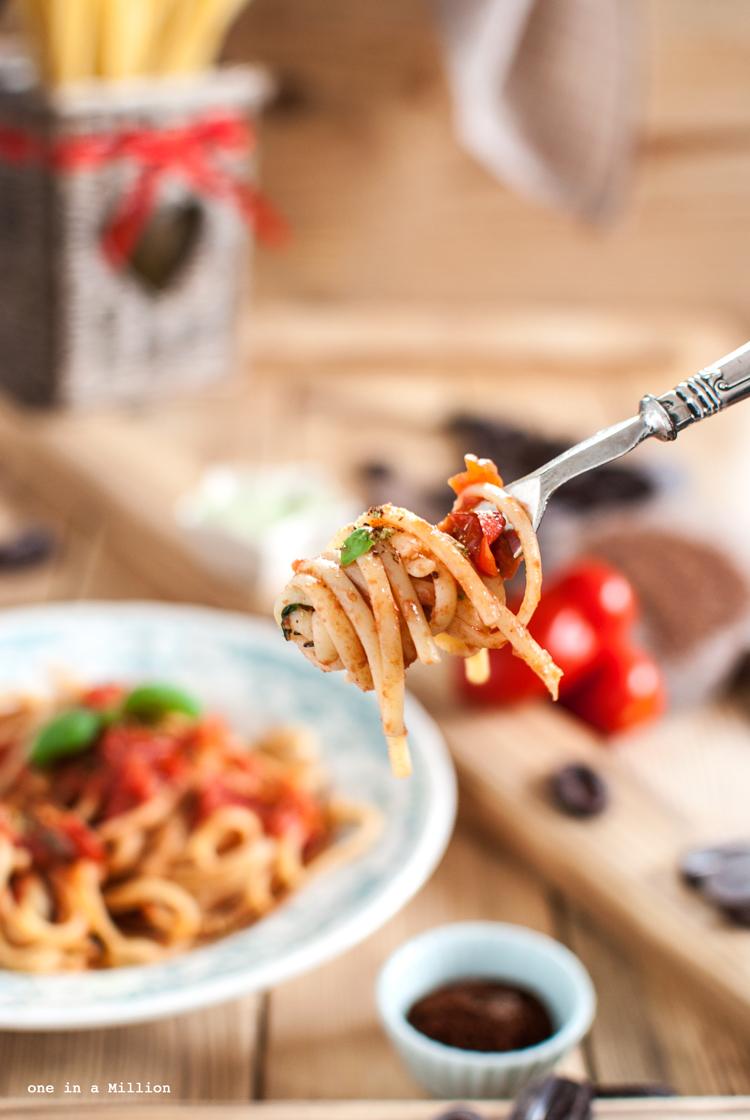 Linguine, pasta al pomodoro, sugo, basilico, cioccolato, pomodoro, sedano polvere, chiodi garofano, essiccato, essiccatore, cottura veloce