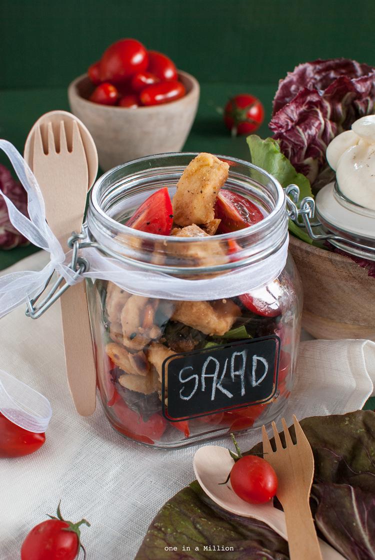 insalata, pollo, anacardi, mandorle, oriente, radicchio, pomodori, burrata, easy, riciclo