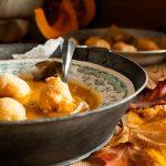 Zuppa di zucca e patate con frittelle di pasta