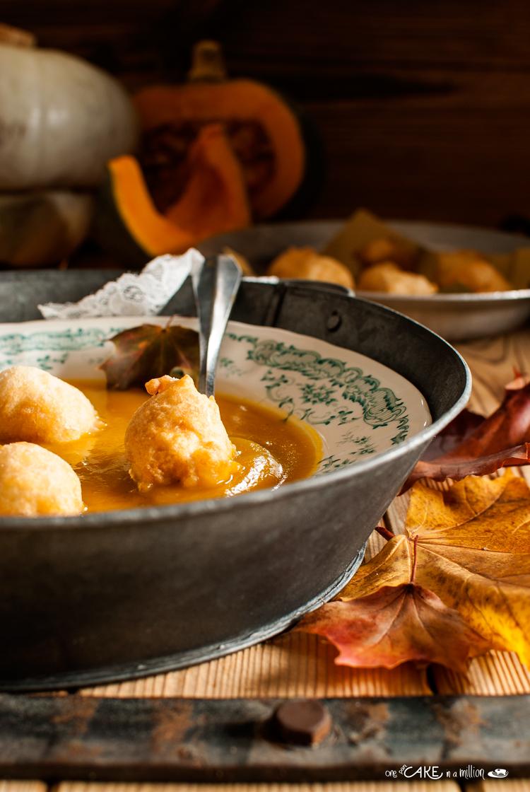 zuppa, zucca, crema, patate, spezie, cipolla, frittelle pane, frittelle pasta lievitata, leggero, comfort food