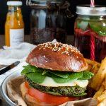 Green burger di quinoa e piselli