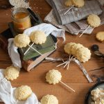Biscotti lecca-lecca al riso e miele